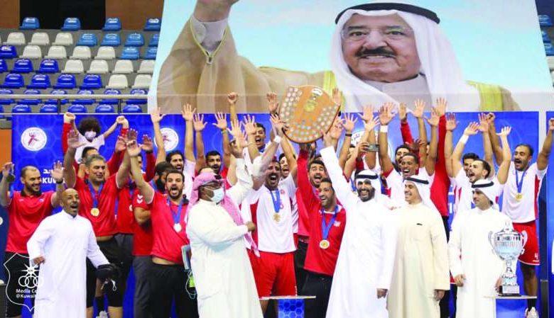 رئيس نادي الكويت يكافئ لاعبي فريق اليد بعد التتويج بمسابقة ...