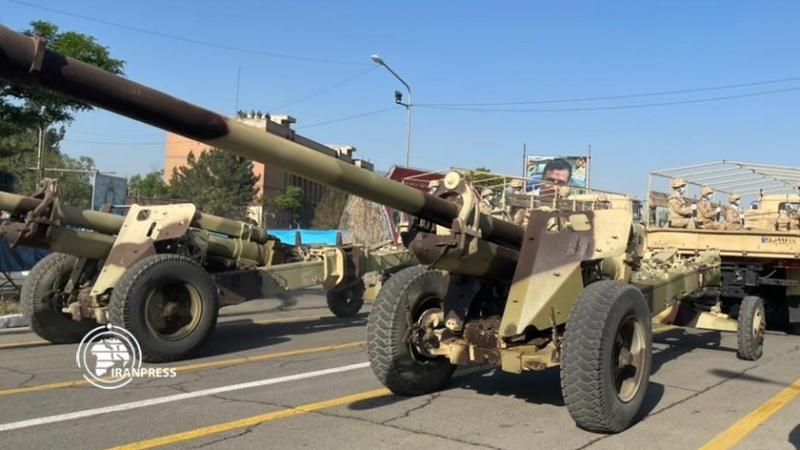 إيران تكشف عن منظومة دفاع جوي بعيدة المدى (صور)